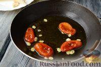 Фото приготовления рецепта: Макароны с тунцом, брокколи и вялеными помидорами - шаг №3