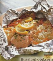 Фото к рецепту: Лосось с рисом, морковью и лимоном