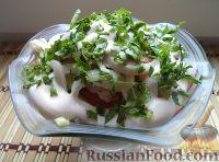 Фото к рецепту: Салат из кальмаров, свежих помидоров и огурцов