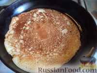Фото приготовления рецепта: Блины на Масленицу - шаг №8