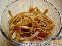 Фото приготовления рецепта: Салат с курицей и редькой - шаг №8