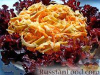 Фото приготовления рецепта: Салат с курицей и редькой - шаг №11