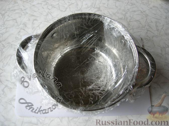 """Фото приготовления рецепта: Салат """"Пасхальный кулич"""" - шаг №2"""