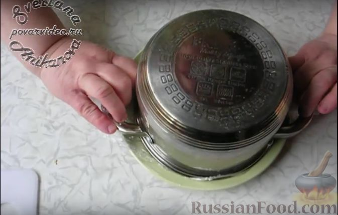 """Фото приготовления рецепта: Салат """"Пасхальный кулич"""" - шаг №12"""