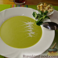 Фото к рецепту: Суп-пюре из брокколи