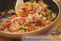 Фото к рецепту: Курица с макаронами, помидорами и цуккини