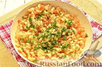 Фото приготовления рецепта: Макароны, тушенные в сковороде - шаг №8