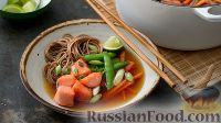 Фото к рецепту: Семга с гречневой лапшой и сахарным горошком