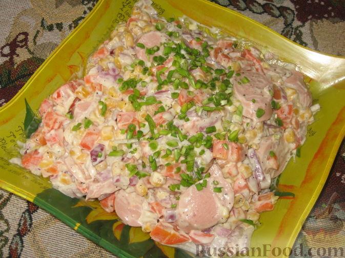 Рецепт Салат с овощами и сосисками