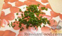 """Фото приготовления рецепта: Салат """"Нежный с кальмарами"""" - шаг №6"""