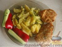 Фото к рецепту: Куриные биточки с картошкой
