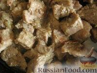 Фото к рецепту: Свинина, тушенная в собственном соку