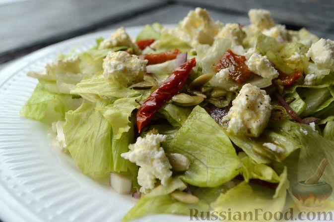 рецепт закуски с помидором фетой баструма зелень