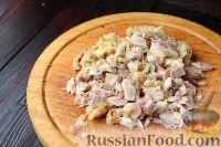Фото приготовления рецепта: Жюльен из курицы с грибами - шаг №3