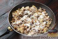 Фото приготовления рецепта: Жюльен из курицы с грибами - шаг №9