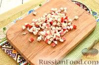 Фото приготовления рецепта: Окрошка с крабовыми палочками - шаг №3