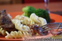 Фото к рецепту: Макароны с мясом и сыром