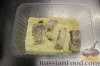 Фото приготовления рецепта: Горбуша, запеченная с  грибами и сыром - шаг №3