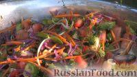 Фото к рецепту: Разноцветный салат из свежих овощей