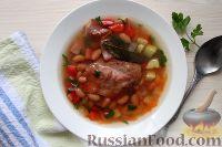 Фото к рецепту: Фасолевый суп со свиными ребрышками