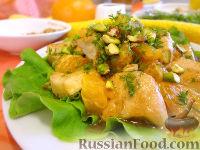 Фото к рецепту: Салат «Солнечный» с курицей и цитрусами