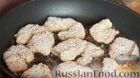 Фото приготовления рецепта: Вкусная и сочная куриная грудка - шаг №4