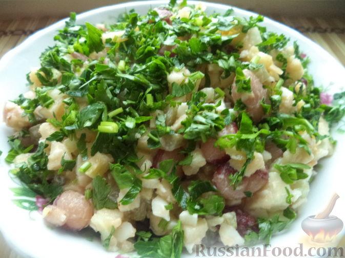 Фото к рецепту: Салат из фасоли с соленым огурцом