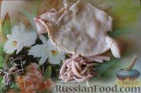 Фото приготовления рецепта: Салат из кальмаров, с огурцами и яблоками - шаг №6