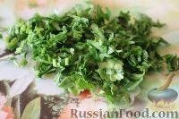 Фото приготовления рецепта: Салат из кальмаров, с огурцами и яблоками - шаг №13