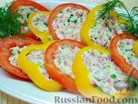 Фото к рецепту: Перец, фаршированный колбасой и сыром