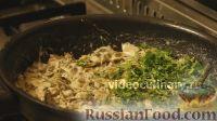 Фото приготовления рецепта: Омлет с шампиньонами - шаг №7