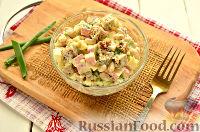 Фото к рецепту: Салат с крабовыми палочками, фасолью и сухариками