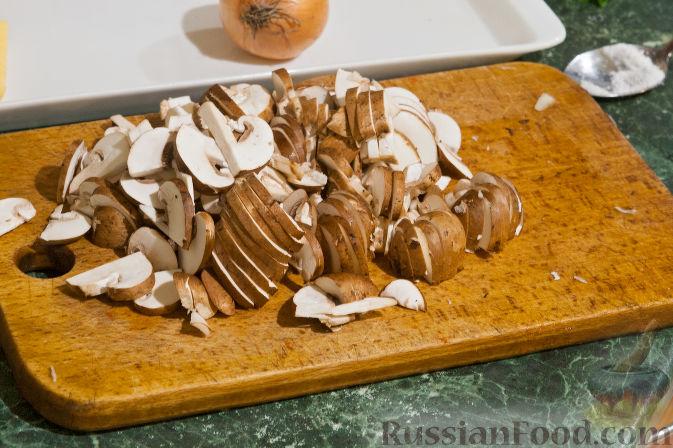 Фото приготовления рецепта: Яблочный тарт с заварным кремом и ореховой корочкой - шаг №33