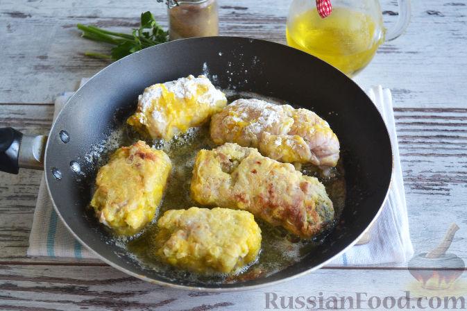 Фото приготовления рецепта: Омлет с яблоками и корицей - шаг №11