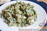Фото к рецепту: Рис со шпинатом и изюмом