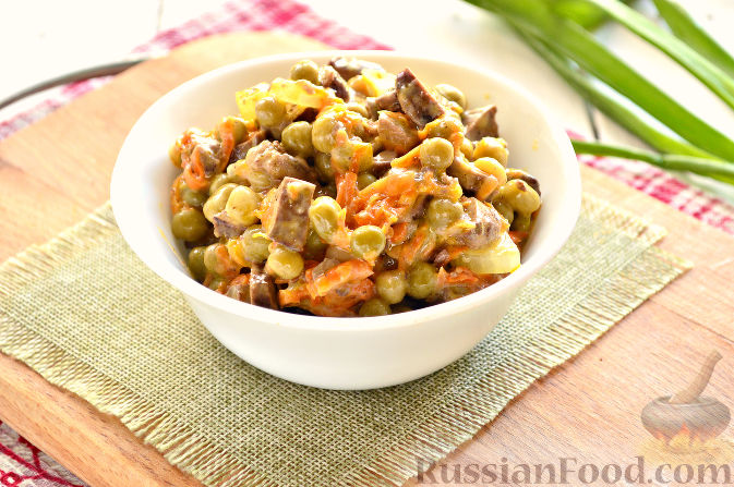 Рецепт салата из печени с морковью и луком