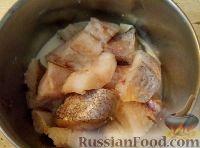 Фото приготовления рецепта: Треска, запеченная с картофелем и овощами - шаг №4