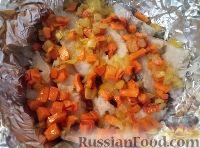 Фото приготовления рецепта: Треска, запеченная с картофелем и овощами - шаг №11