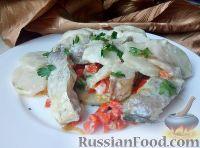 Фото приготовления рецепта: Треска, запеченная с картофелем и овощами - шаг №13