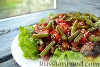 Фото к рецепту: Теплый салат с куриным филе и грибами