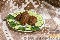 Фото к рецепту: Говяжьи котлеты с булгуром и кедровыми орешками