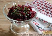 Фото к рецепту: Салат из свёклы и адыгейского сыра