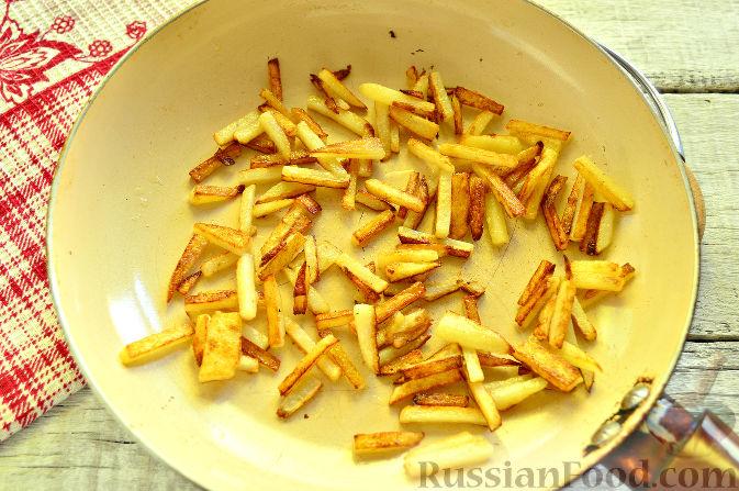 Фото приготовления рецепта: Крабовый салат с ветчиной - шаг №3