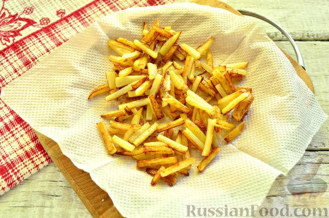 Фото приготовления рецепта: Крабовый салат с ветчиной - шаг №4