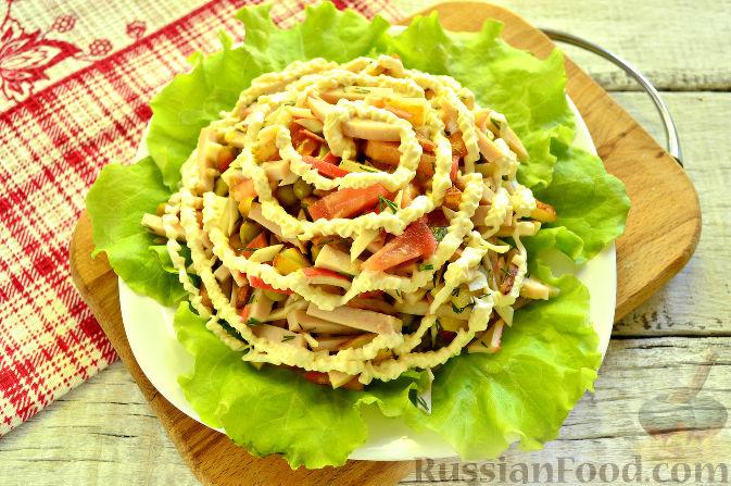 Фото приготовления рецепта: Крабовый салат с ветчиной - шаг №12