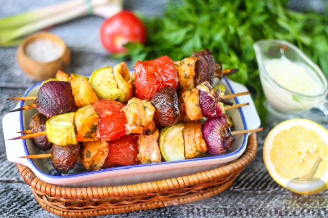 Фото приготовления рецепта: Сэндвичи с колбасой, сыром и томатной пастой, на сковороде - шаг №8