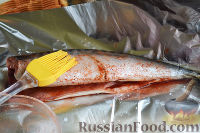 Фото приготовления рецепта: Канапе с салатом «Мимоза» - шаг №6