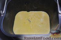 Фото приготовления рецепта: Шарлотка с яблоками (в хлебопечке) - шаг №7
