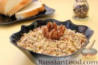 Фото к рецепту: Салат «Принц» с курицей и орехами