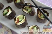 Фото к рецепту: Роллы с горбушей и омлетом